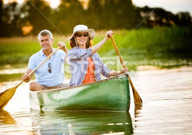 stock-photo-16571717-mature-couple-with-a-healthy-outdoor-lifestyle